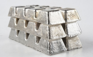 Pengamat: Bipolar Bursa Timah Bikin Bingung Pembeli - JPNN.com