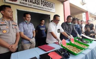 Dua dari Delapan Perampok yang Bawa Kabur Emas Senilai Rp5 Miliar Ditembak Mati - JPNN.com