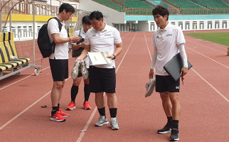 Kondisi Terkini Asisten Pelatih Timnas Gong Oh Kyun setelah Dinyatakan Positif COVID-19 - JPNN.com