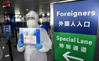 Sudah Pakai APD, Sopir Bandara Terinfeksi Corona Gegara Makan di Mobil - JPNN.com