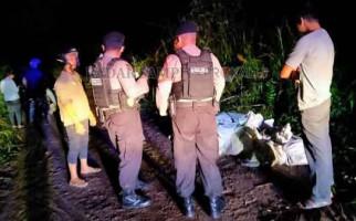 Sepuluh Karung di Tepi Jalan Itu Bikin Penasaran, Dibuka, Isinya Mengejutkan - JPNN.com