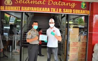 Yukata Salurkan Bantuan APD ke RS Polri dan RS Bhayangkara Brimob - JPNN.com