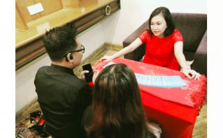 Simak, Ini Ramalan Ahli Tarot tentang Wabah Corona di Jateng, Ada Kabar Baik - JPNN.com