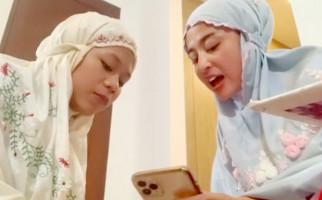 Cimoy Montok Anggap Dewi Perssik Sebagai Ibu - JPNN.com