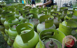 Malu Dong, Masyarakat Ekonomi Mampu Kok Masih Pakai Gas 3 Kg - JPNN.com