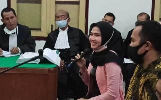 Cewek Cantik Ini Bantah Sering Video Call dengan Hakim Jamaludin Tengah Malam - JPNN.com