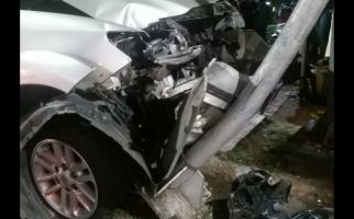 Detik-detik Fortuner Ditabrak Truk di Jalan S Parman Jakbar - JPNN.com