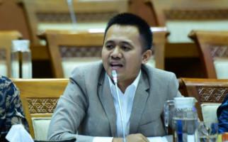 Mufti Anam Tantang Direksi KAI Lampaui Pencapaian Ignasius Jonan - JPNN.com