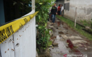 Cemburu, Suami Sadis Tebas Tangan dan Kaki Istri Pakai Golok, Putus - JPNN.com