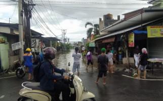 Badung dan Denpasar Dilanda Banjir-Longsor, 7 Warga Sempat Terjebak - JPNN.com