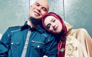 Puji Ahmad Dhani, Mulan Jameela: Wahai Suamiku yang Lucu - JPNN.com