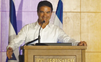 Cara Bos Mossad Melunakkan Para Pemimpin Arab - JPNN.com