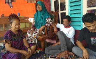 Sanna Berharap Suaminya Ditemukan Selamat, Setiap Malam Menggelar Tahlil - JPNN.com