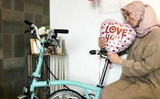 Engku Emran Pernah Kasih Kado Ini untuk Laudya Cynthia Bella - JPNN.com
