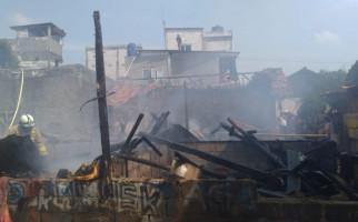 9 Bangunan di Jakarta Timur Terbakar, Penyebabnya Bikin Geleng-geleng Kepala - JPNN.com