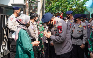 Baksos Serentak di Hari Bhayangkara, Polri Bawa Bantuan untuk Anak Yatim - JPNN.com