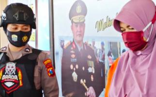 Perempuan Ini Mengaku Istri Pejabat, Sudah Enam Orang jadi Korban Mulut Manisnya - JPNN.com