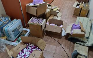 Sinergi Bea Cukai dan BPOM Ungkap Peredaran Kosmetik Ilegal dari Malaysia - JPNN.com