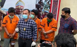 Pecatan Polisi Itu Ditembak karena Serang Petugas Pakai Garpu Sampah dan Parang, Dooor! - JPNN.com