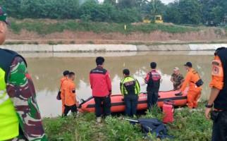 Terpeleset dan Terjatuh ke Sungai Irigasi, Nenek Kastinah Belum Ditemukan - JPNN.com
