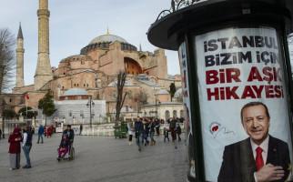 UNESCO: Turki Tidak Bisa Seenaknya Mengubah Hagia Sophia Jadi Masjid - JPNN.com