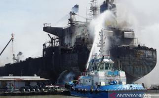 Kapal Tanker di Pelabuhan Belawan Terbakar, Satu Orang jadi Tersangka - JPNN.com