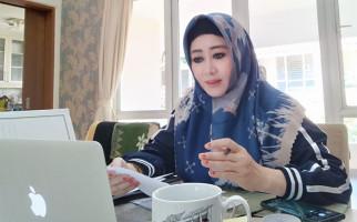 Oh Merdunya, Anggota DPR Lisda Hendrajoni Bawakan Lagu Tuhan - JPNN.com