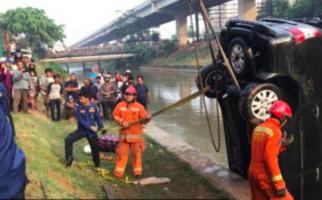 Sebelum Ditemukan tak Bernyawa di Kalimalang, Samsiah Sempat Minta Sopir Selamatkan Putrinya - JPNN.com