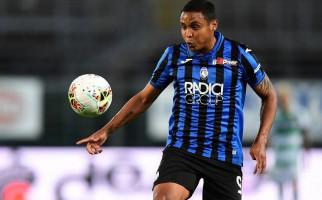 Pemain Atalanta Ini Terpaksa Dilarikan ke Rumah Sakit - JPNN.com