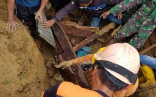 Kampung Dupia Paniai Diterjang Longsor, Empat Orang Meninggal Dunia - JPNN.com