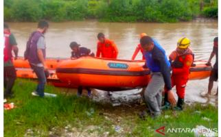 Tim Korlantas dan Ditlantas Polda Papua Barat Periksa Satpas Sorong yang Kebanjiran - JPNN.com