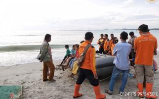 Jasad Nelayan Tenggelam yang Sempat Ditemukan Itu Hilang Lagi Terbawa Arus Laut - JPNN.com
