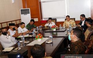 Klaster Corona Gubernur Kepri Bikin Seorang Dekan Kesal Sampai Dukung Class Action - JPNN.com