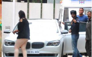Mobil Mewah Bekas Shahrukh Khan Dijual, Sebegini Harganya - JPNN.com