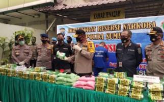 Polisi Bongkar Jaringan Narkoba Medan-Jakarta, 1 Pelaku Ditembak Mati, Lihat Barang Buktinya - JPNN.com