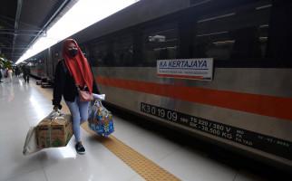 Penumpang KA Meningkat Saat Libur Paskah, KAI Tetap Batasi Penjualan Tiket - JPNN.com