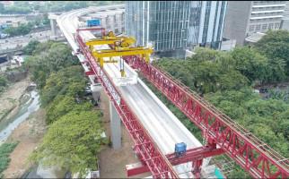 Pemasangan U-Shaped Girder LRT Jabodebek Tuntas - JPNN.com