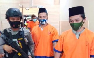 Dua Pria Tertangkap Curi Kayu Jati untuk Perbaiki Rumah, Polisi tak Percaya - JPNN.com