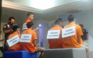 Pesta Tanpa Busana pakai 8 Botol Obat Perangsang, Siapa Pilih Lokasi? - JPNN.com