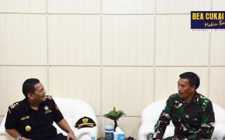 Bea Cukai dan Lantamal X Koarmada III Bersinergi Jaga Laut Jayapura - JPNN.com