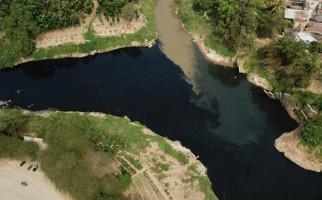 Parah, Lihat Kondisi Sungai Cileungsi, Ulah Siapa? - JPNN.com