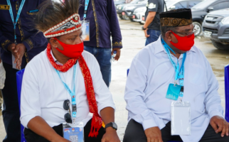 8 Parpol dan Lautan Manusia Mengiringi Piet-Matret Menuju KPU - JPNN.com