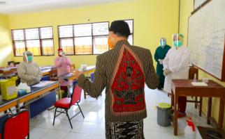 Ganjar Sangat Berhati-hati untuk Keputusan Penerapan Pembelajaran Tatap Muka di Sekolah - JPNN.com