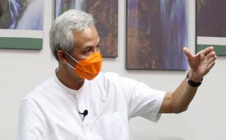 Ganjar Minta Pemerintah Pusat Mempertimbangkan Usulan Penundaan Pilkada Serentak - JPNN.com