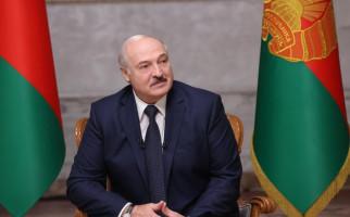 Terpilih Lewat Cara Curang, Presiden Belarusia Dilantik Diam-Diam - JPNN.com