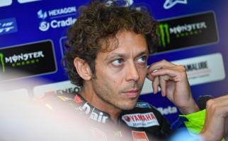 Valentino Rossi Sangat Emosional, Itu 15 Tahun Kebersamaan - JPNN.com