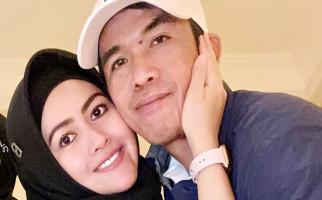 Dibilang Norak Kerap Pamer Kemesraan dengan Suami Barunya, Meggy Wulandari Bilang Begini - JPNN.com