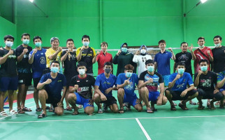 Tim Bulu Tangkis Indonesia Latihan di GOR Billy Haryanto, Dapat Suntikan Semangat dari Bupati Sragen - JPNN.com