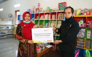 Lazismu Salurkan Dana Zakat untuk Guru Honorer Terdampak Covid-19  - JPNN.com