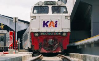 5 Gerbong Barang KA Keluar Jalur Setelah Ditabrak Truk Semen, KAI Tuntut Pemilik dan Pengemudinya - JPNN.com